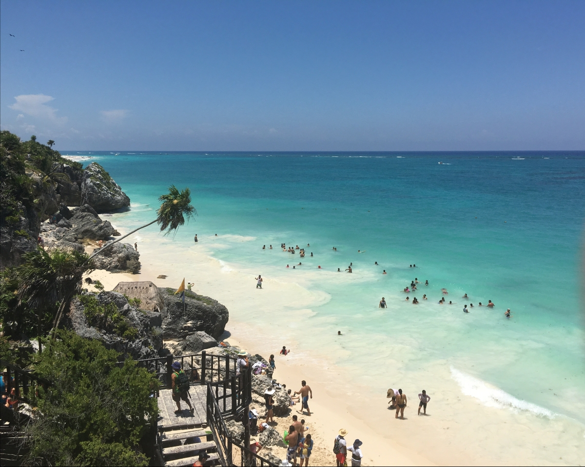 Girl & Boy meet… Cancun, MEXICO!